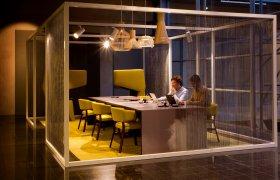 Octo 4240, Puncto 4203, Atto 5000 en Secto 4200 van Secto Design/TunnelmaDesign op de flexwerkplekken van het WTC Schiphol